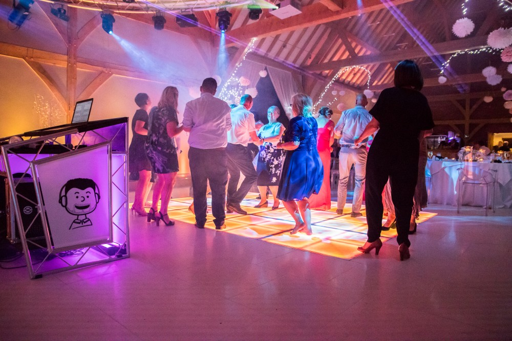 Guests dancing at Redhouse Barn